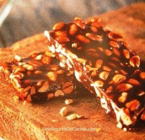 Turrón de maní crocante casero